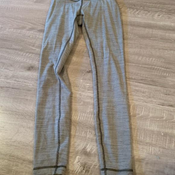 Lululemon gray leggings size 2